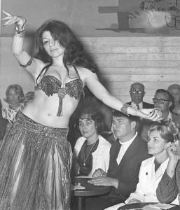 Aisha Ali, Vacation Village Barefoot Bar, Belly dance