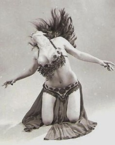 Helena Vlahos, belly dance, floor work